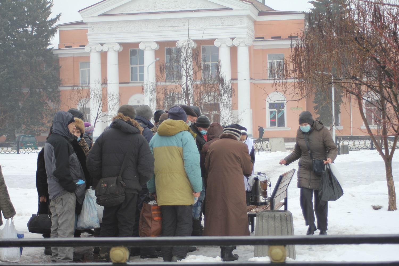 Історії людей, які приходять на полтавські вокзали за безкоштовними обідами