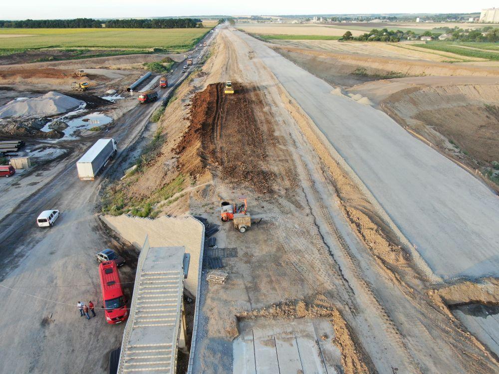 Як виглядає будівництво траси з висоти (Фото – Андрій Даценко)