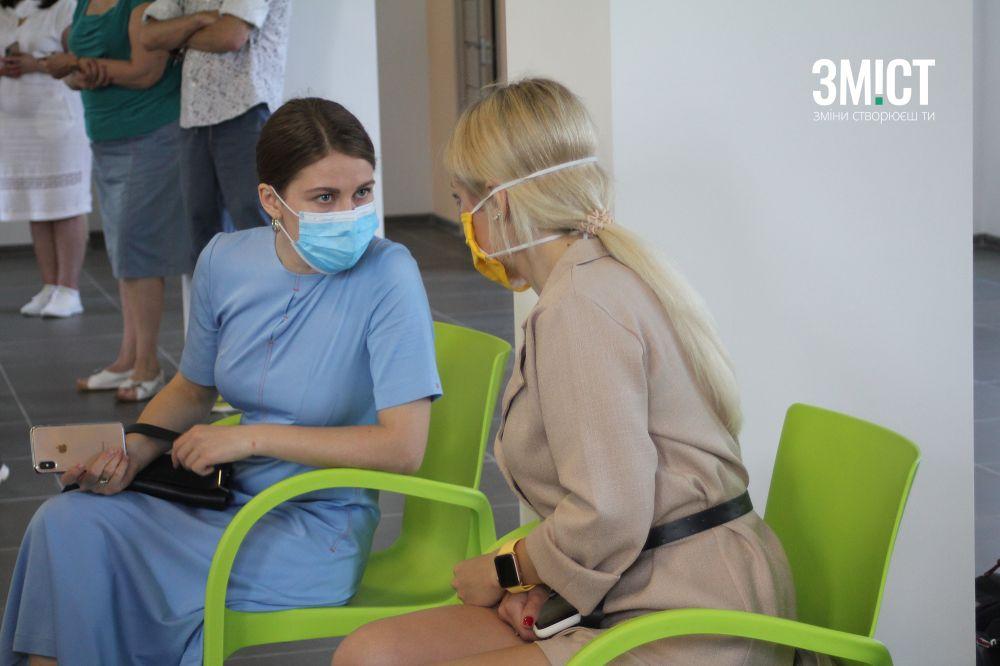 Нардепка Мариан Бардіна та Альона Гончаренко на пресконференеції