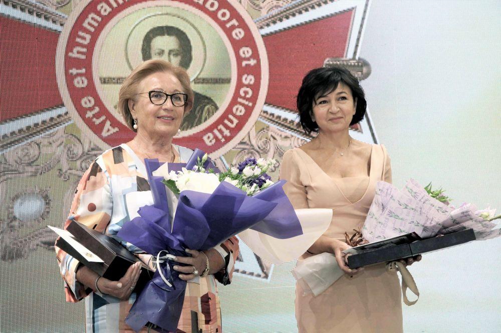 Номінантки, які отрималаи нагороди (Фото – «Орден Святого Пантелеймона. Честь медичної професії»)