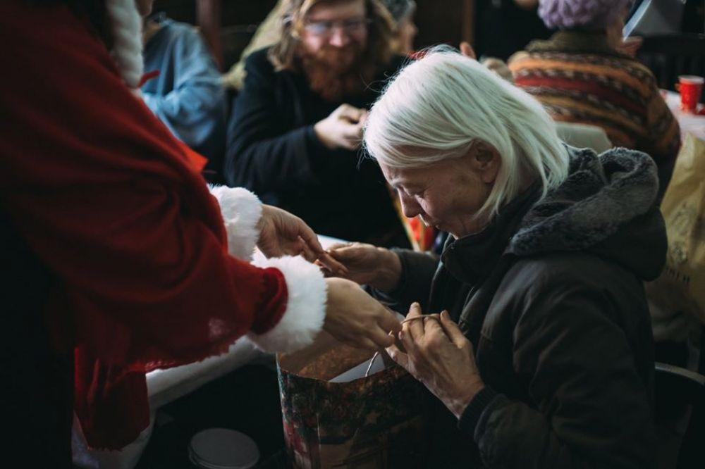 Різдвяний обід минулого року (Джерело – фб-сторінка спільноти «Молодь за мир»)