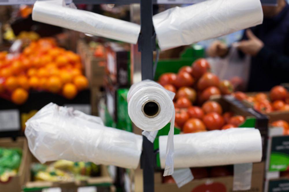 При придбанні фруктів-овочів можна обійтися без пакетів (Джерело – ua-news.liga.net)