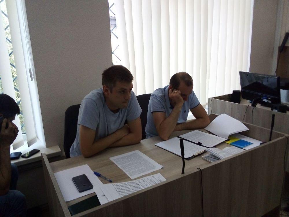 Слідчий Максим Зацеркляний та прокурор Віктор Крамаренко