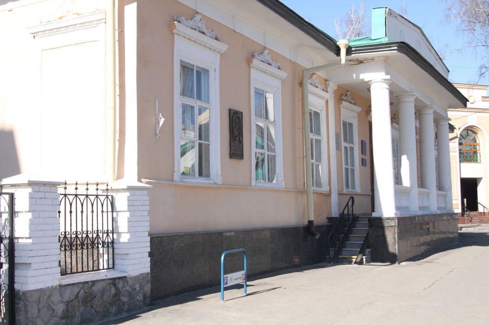 Велопарковка біля Школи мистецтв