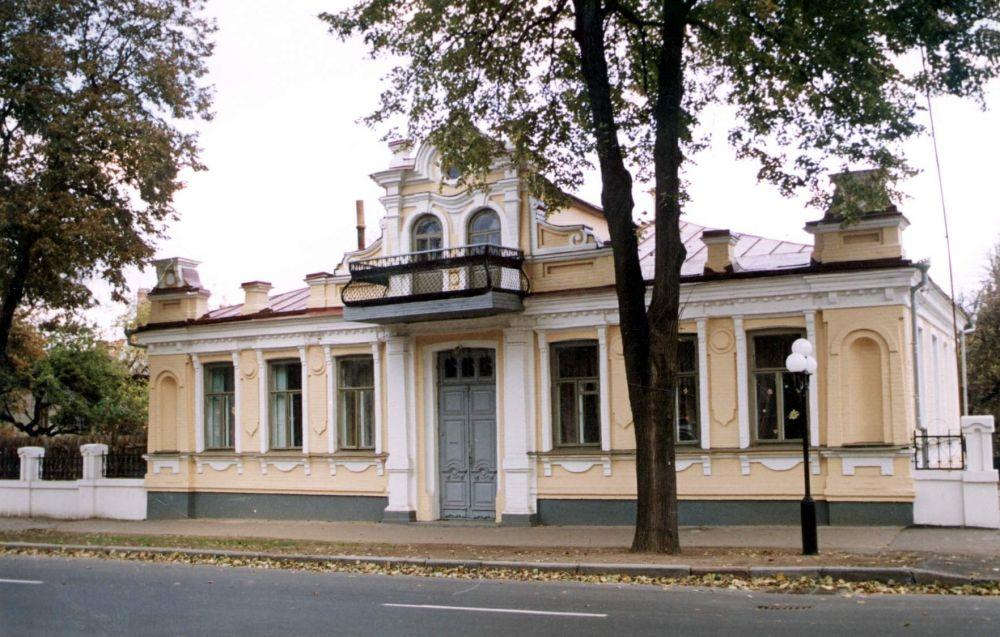 Балкон, на якому виступав Адольф Гітлер (Джерело – tribuna.pl)