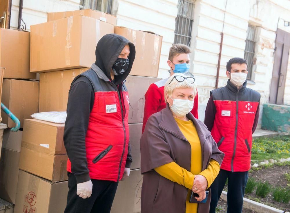 Засоби індивідуального захисту передали до Полтавської обласної інфекційної лікарні